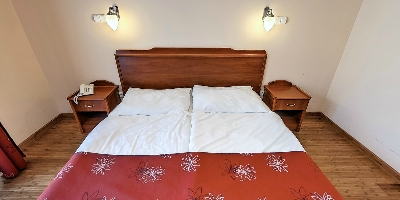 Webséta - Simontornya Fried Castle Hotel